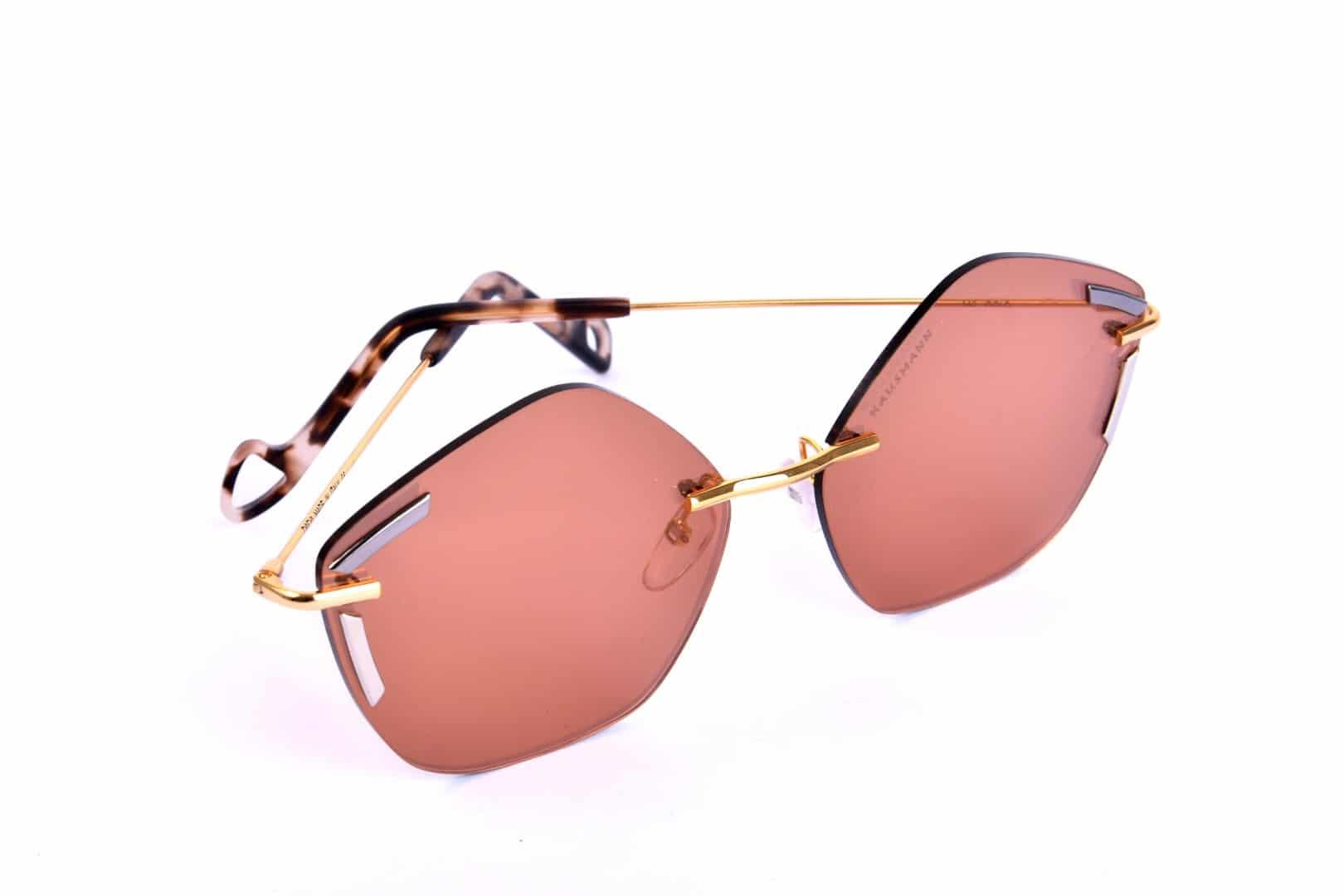 משקפי שמש צבעוניים - אופטיקה יפעת, אופטומטריסטית מוסמכת בנתניה